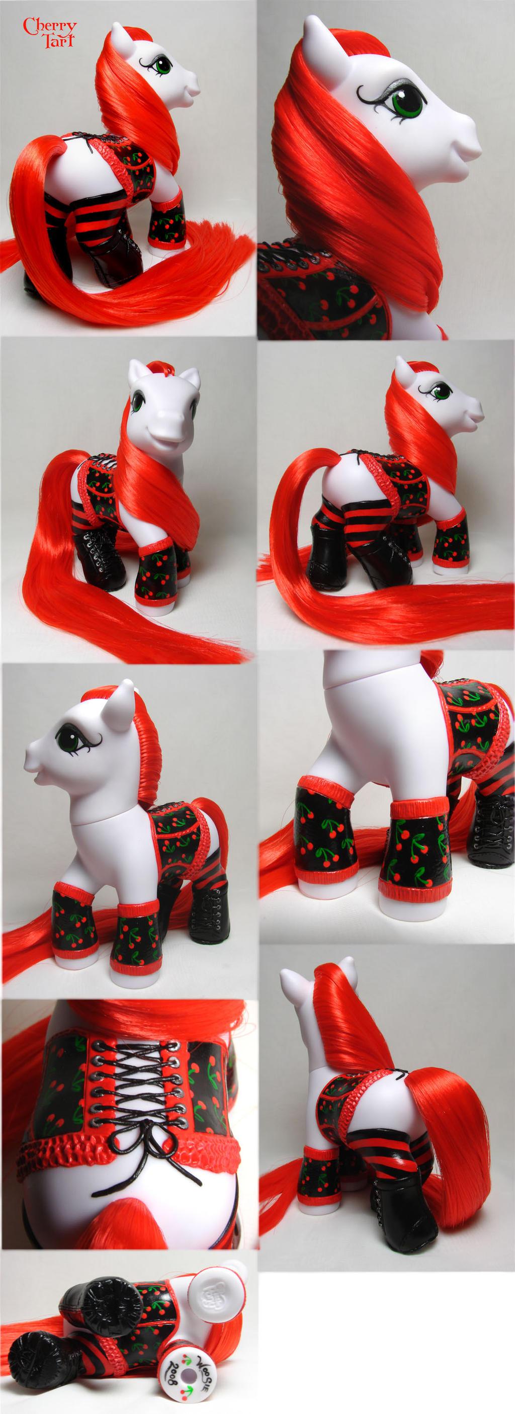 Cherry Tart corset pony by Woosie