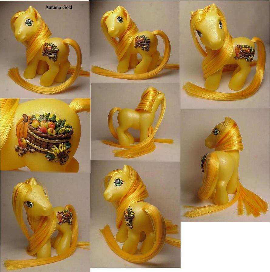 Autumn Gold little pony by Woosie