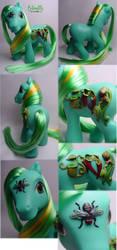 Cobra Lily custom pony by Woosie