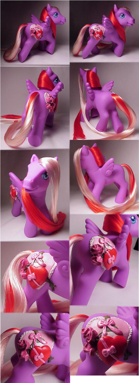 Valentine's custom pony by Woosie