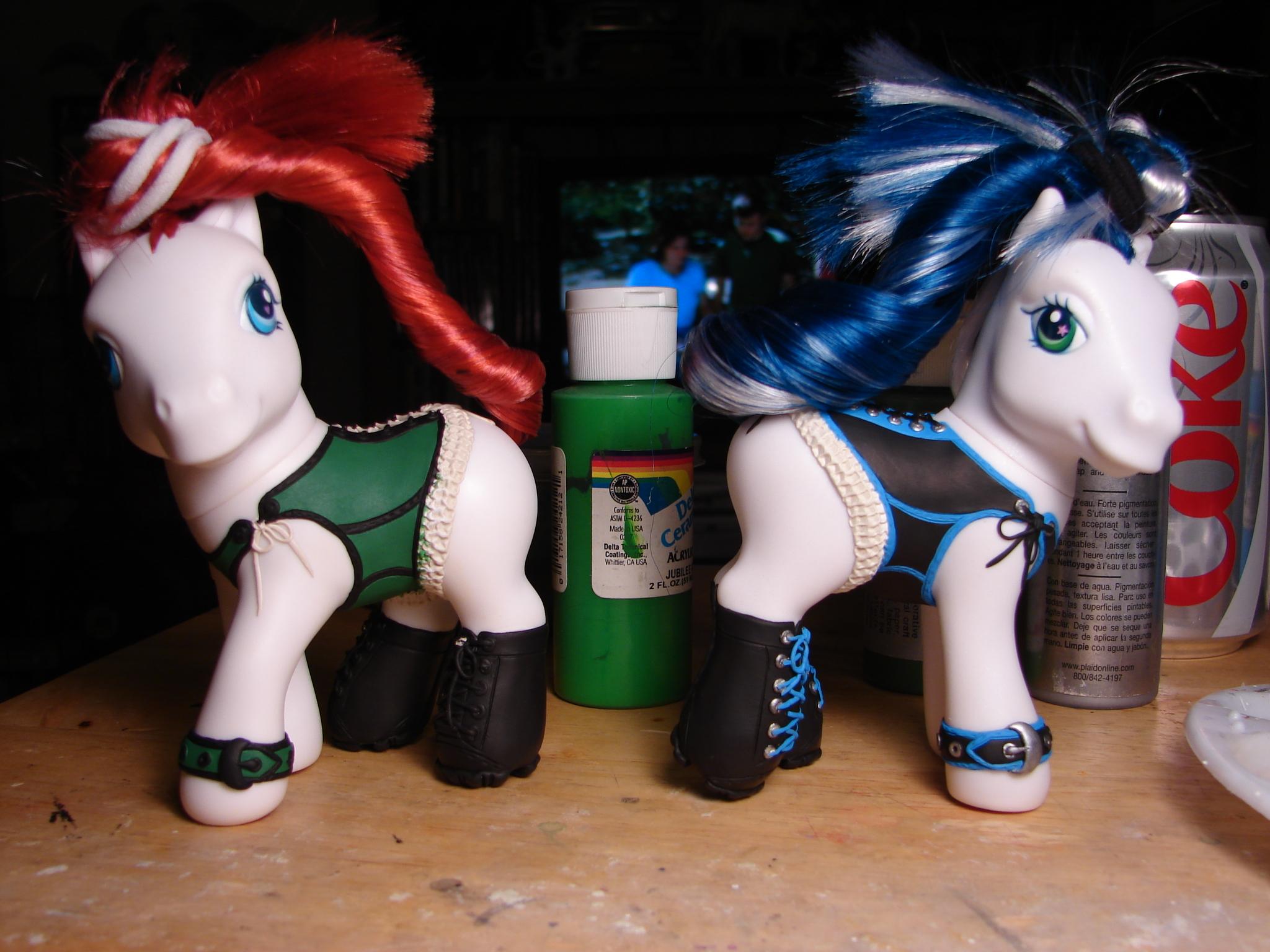 Corset ponies WIP by Woosie