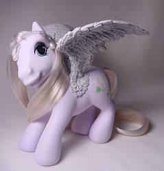 White Rose pegasus pony