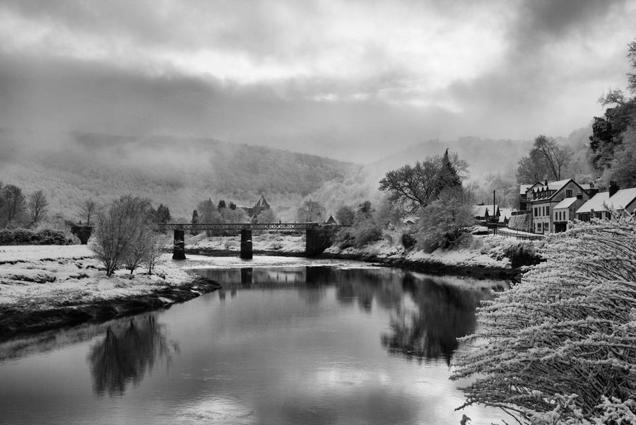 Snowy Wye by Oldtoppy