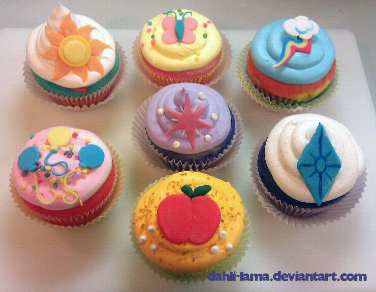 081411 -  MLP:FIM Cupcakes by dahli-lama