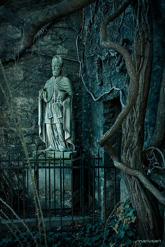 Entrance to the Past by Mariusart