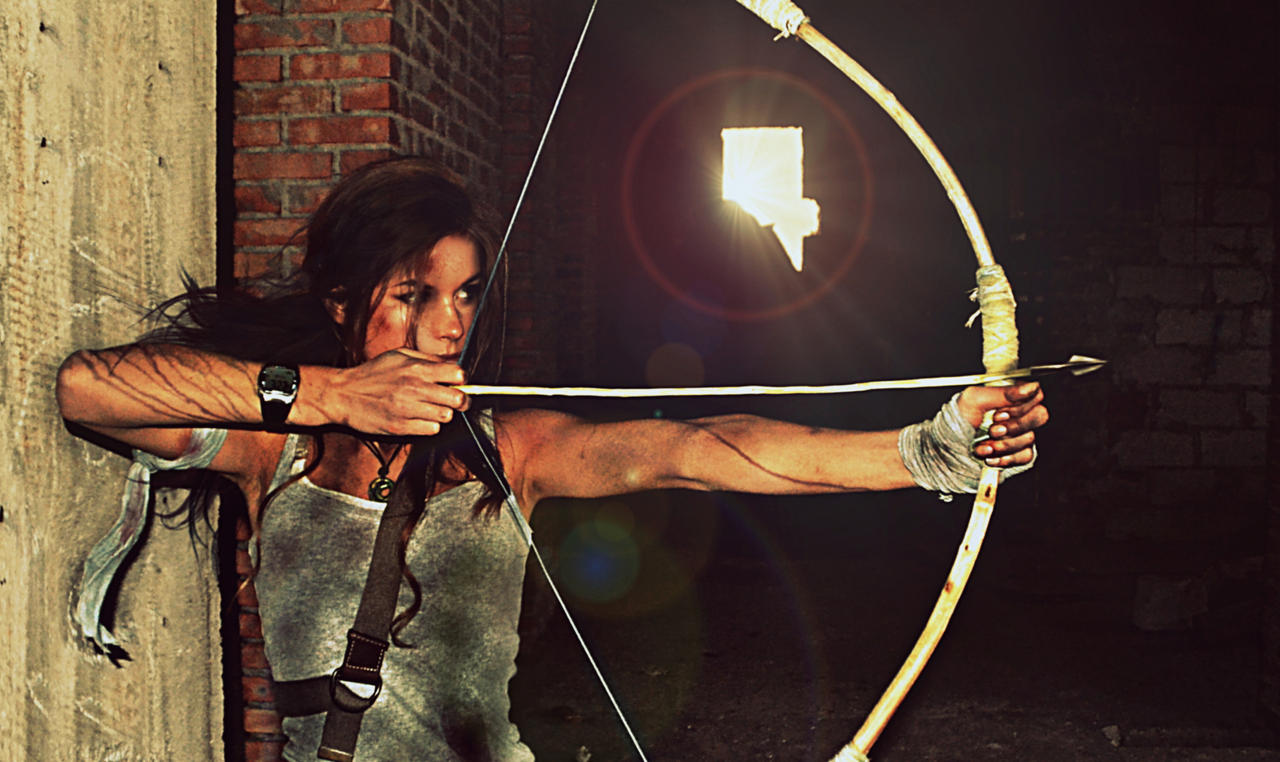 Tomb Raider Lara Croft Cosplay 2013 Bow By Konradm96 On Deviantart