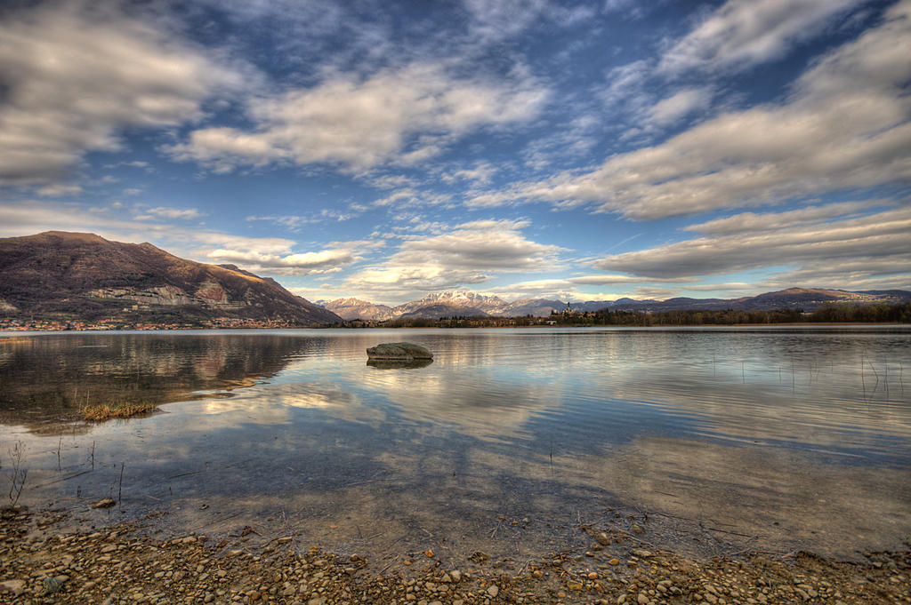 pusiano lake 2 by TheUncle