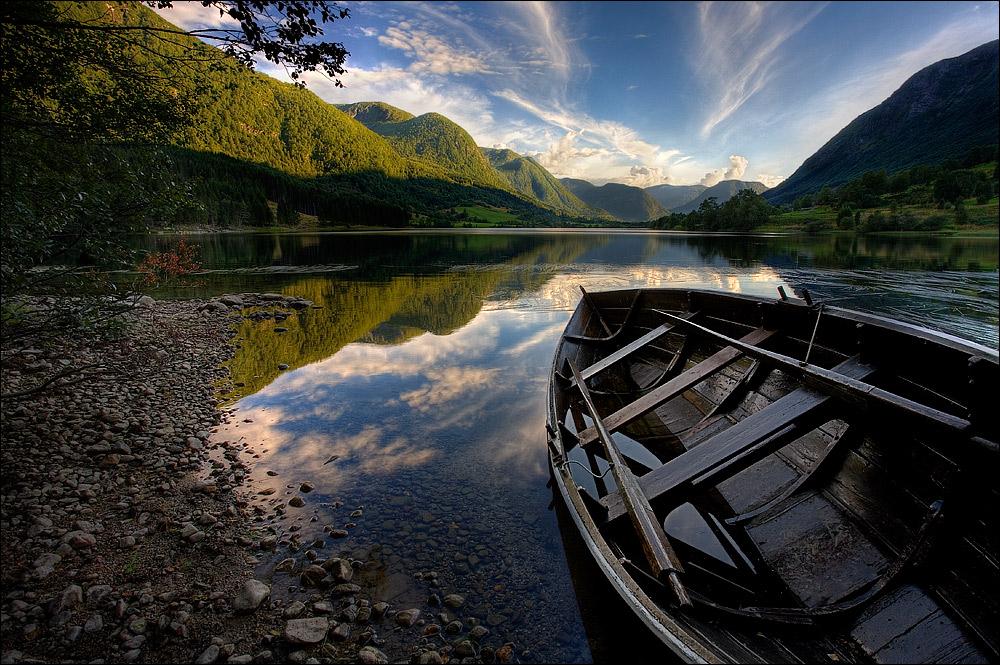 Роскошные пейзажи Норвегии - Страница 16 D125xwv-297de39c-5f25-4550-893e-99a5a5841c8e.jpg?token=eyJ0eXAiOiJKV1QiLCJhbGciOiJIUzI1NiJ9.eyJzdWIiOiJ1cm46YXBwOjdlMGQxODg5ODIyNjQzNzNhNWYwZDQxNWVhMGQyNmUwIiwiaXNzIjoidXJuOmFwcDo3ZTBkMTg4OTgyMjY0MzczYTVmMGQ0MTVlYTBkMjZlMCIsIm9iaiI6W1t7InBhdGgiOiJcL2ZcLzI5NDM4MmUzLTQ1YzEtNDZmZi1iZTY2LWU1NDMyNDA0NjgxNlwvZDEyNXh3di0yOTdkZTM5Yy01ZjI1LTQ1NTAtODkzZS05OWE1YTU4NDFjOGUuanBnIn1dXSwiYXVkIjpbInVybjpzZXJ2aWNlOmZpbGUuZG93bmxvYWQiXX0