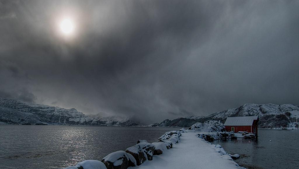 Роскошные пейзажи Норвегии - Страница 6 D1sf8mt-e1a9e567-3a09-4918-86e1-951f36511ff6.jpg?token=eyJ0eXAiOiJKV1QiLCJhbGciOiJIUzI1NiJ9.eyJzdWIiOiJ1cm46YXBwOjdlMGQxODg5ODIyNjQzNzNhNWYwZDQxNWVhMGQyNmUwIiwiaXNzIjoidXJuOmFwcDo3ZTBkMTg4OTgyMjY0MzczYTVmMGQ0MTVlYTBkMjZlMCIsIm9iaiI6W1t7InBhdGgiOiJcL2ZcLzI5NDM4MmUzLTQ1YzEtNDZmZi1iZTY2LWU1NDMyNDA0NjgxNlwvZDFzZjhtdC1lMWE5ZTU2Ny0zYTA5LTQ5MTgtODZlMS05NTFmMzY1MTFmZjYuanBnIn1dXSwiYXVkIjpbInVybjpzZXJ2aWNlOmZpbGUuZG93bmxvYWQiXX0