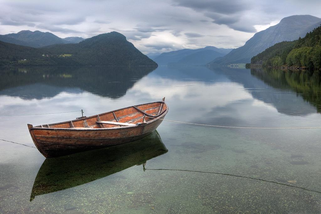 Роскошные пейзажи Норвегии - Страница 8 D293kw8-bd3e1e51-6147-4b65-a419-e67e31d219d7.jpg?token=eyJ0eXAiOiJKV1QiLCJhbGciOiJIUzI1NiJ9.eyJzdWIiOiJ1cm46YXBwOjdlMGQxODg5ODIyNjQzNzNhNWYwZDQxNWVhMGQyNmUwIiwiaXNzIjoidXJuOmFwcDo3ZTBkMTg4OTgyMjY0MzczYTVmMGQ0MTVlYTBkMjZlMCIsIm9iaiI6W1t7InBhdGgiOiJcL2ZcLzI5NDM4MmUzLTQ1YzEtNDZmZi1iZTY2LWU1NDMyNDA0NjgxNlwvZDI5M2t3OC1iZDNlMWU1MS02MTQ3LTRiNjUtYTQxOS1lNjdlMzFkMjE5ZDcuanBnIn1dXSwiYXVkIjpbInVybjpzZXJ2aWNlOmZpbGUuZG93bmxvYWQiXX0