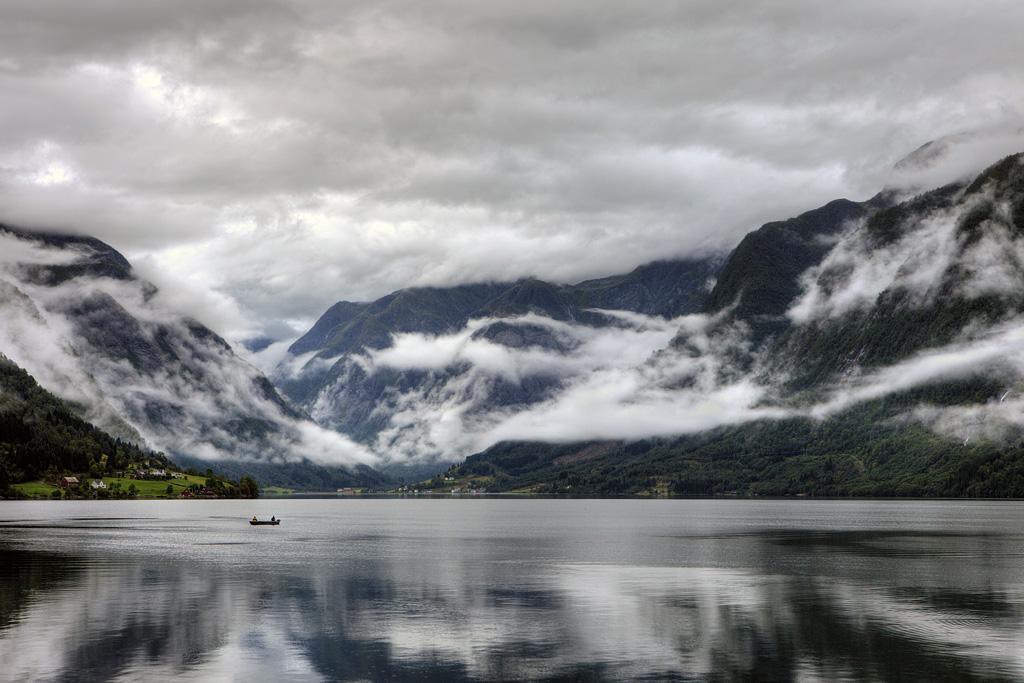 Роскошные пейзажи Норвегии - Страница 10 D29b4lf-89c497a9-8f15-48c2-bee2-8dc7be7aa9fa.jpg?token=eyJ0eXAiOiJKV1QiLCJhbGciOiJIUzI1NiJ9.eyJzdWIiOiJ1cm46YXBwOjdlMGQxODg5ODIyNjQzNzNhNWYwZDQxNWVhMGQyNmUwIiwiaXNzIjoidXJuOmFwcDo3ZTBkMTg4OTgyMjY0MzczYTVmMGQ0MTVlYTBkMjZlMCIsIm9iaiI6W1t7InBhdGgiOiJcL2ZcLzI5NDM4MmUzLTQ1YzEtNDZmZi1iZTY2LWU1NDMyNDA0NjgxNlwvZDI5YjRsZi04OWM0OTdhOS04ZjE1LTQ4YzItYmVlMi04ZGM3YmU3YWE5ZmEuanBnIn1dXSwiYXVkIjpbInVybjpzZXJ2aWNlOmZpbGUuZG93bmxvYWQiXX0