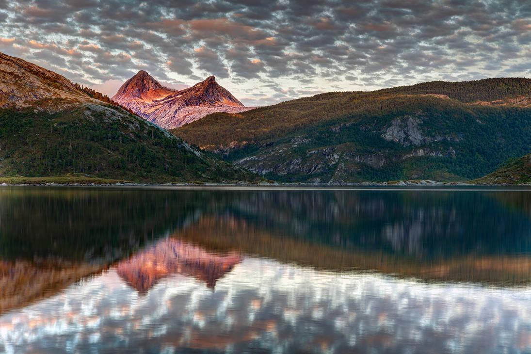 Роскошные пейзажи Норвегии - Страница 12 Norway_148_by_lonelywolf2_d7krkg4-pre.jpg?token=eyJ0eXAiOiJKV1QiLCJhbGciOiJIUzI1NiJ9.eyJzdWIiOiJ1cm46YXBwOjdlMGQxODg5ODIyNjQzNzNhNWYwZDQxNWVhMGQyNmUwIiwiaXNzIjoidXJuOmFwcDo3ZTBkMTg4OTgyMjY0MzczYTVmMGQ0MTVlYTBkMjZlMCIsIm9iaiI6W1t7ImhlaWdodCI6Ijw9OTMzIiwicGF0aCI6IlwvZlwvMjk0MzgyZTMtNDVjMS00NmZmLWJlNjYtZTU0MzI0MDQ2ODE2XC9kN2tya2c0LWVhNzliZWQyLWIxZjgtNDkyNy1iYWM3LTRiNDViZmM5ZjZjYS5qcGciLCJ3aWR0aCI6Ijw9MTQwMCJ9XV0sImF1ZCI6WyJ1cm46c2VydmljZTppbWFnZS5vcGVyYXRpb25zIl19