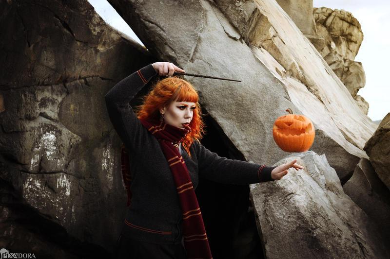 fly, little pumpkin by Steffi-im-Wunderland