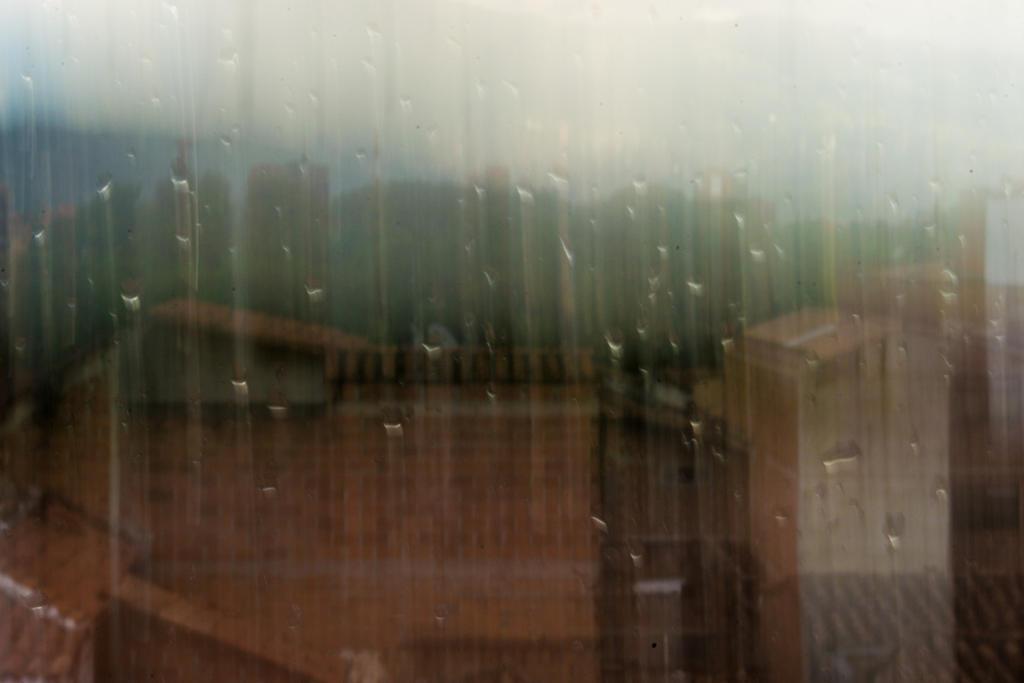 Rain-Window by acafoto