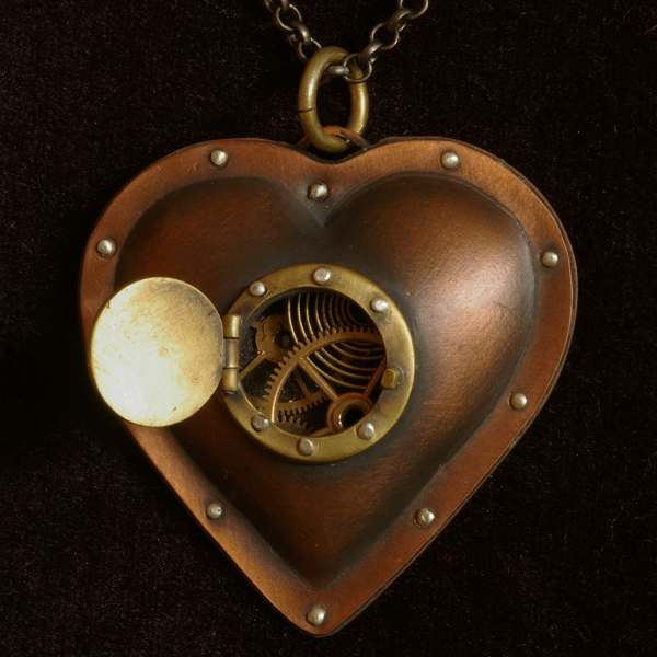 Steampunk mechanical heart by Lostwaxoz