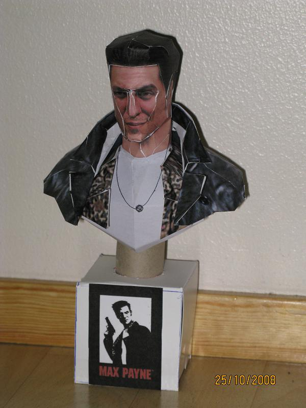 Max Payne Statue Papercraft by killero94