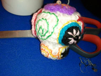 Amigurumi sugar skull - side by ShuggaMagnolia