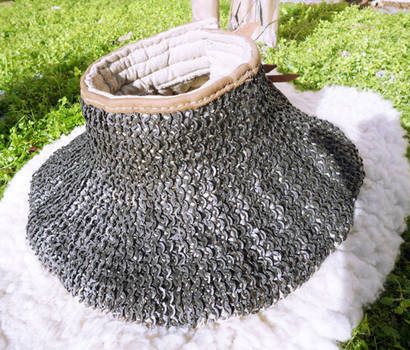 Padded gorget with chainmail