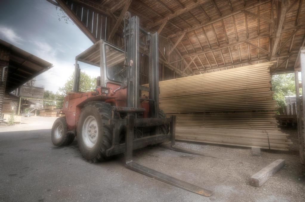 Forklift by sinawali