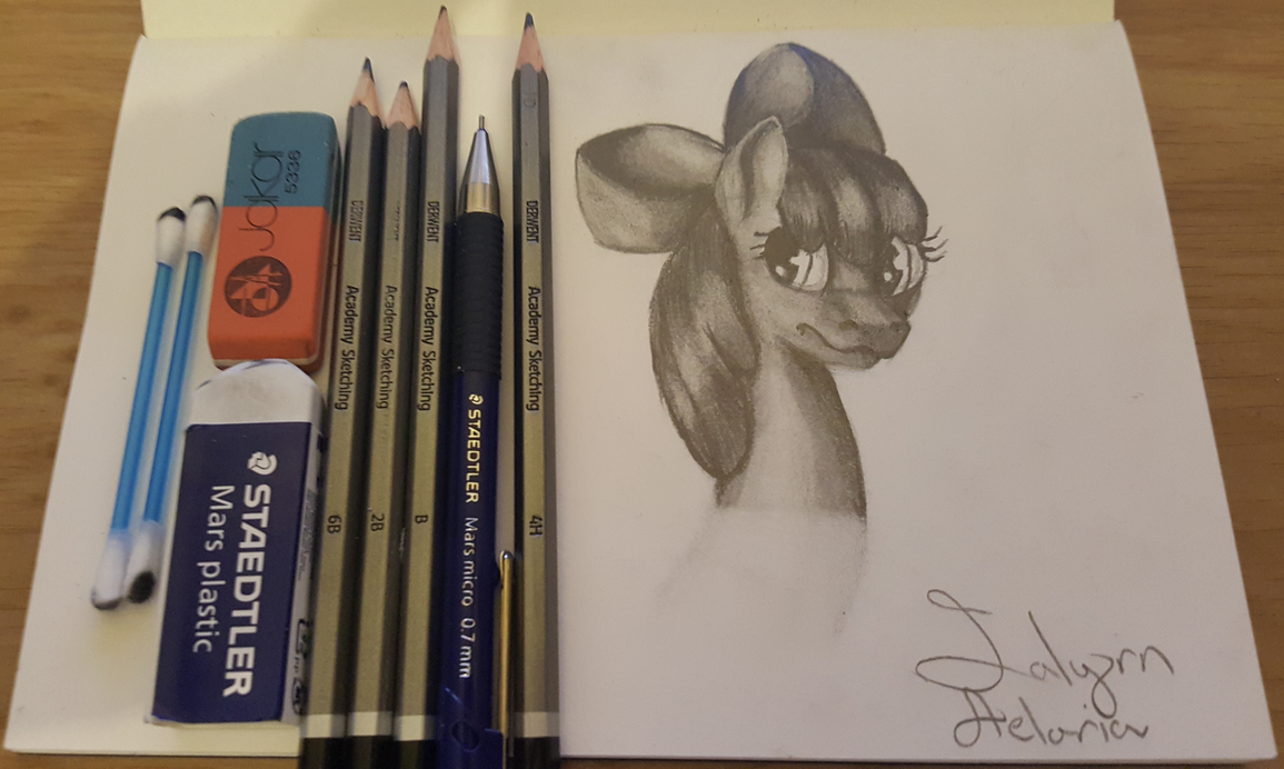 Any artist here? - Page 3 Apple_bloom_sketch_by_ialyrnaeloria-da7uiy4