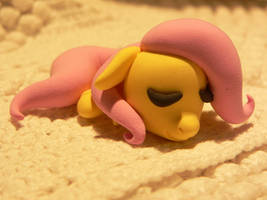 Fluttershy is sleeping by Flattersora12