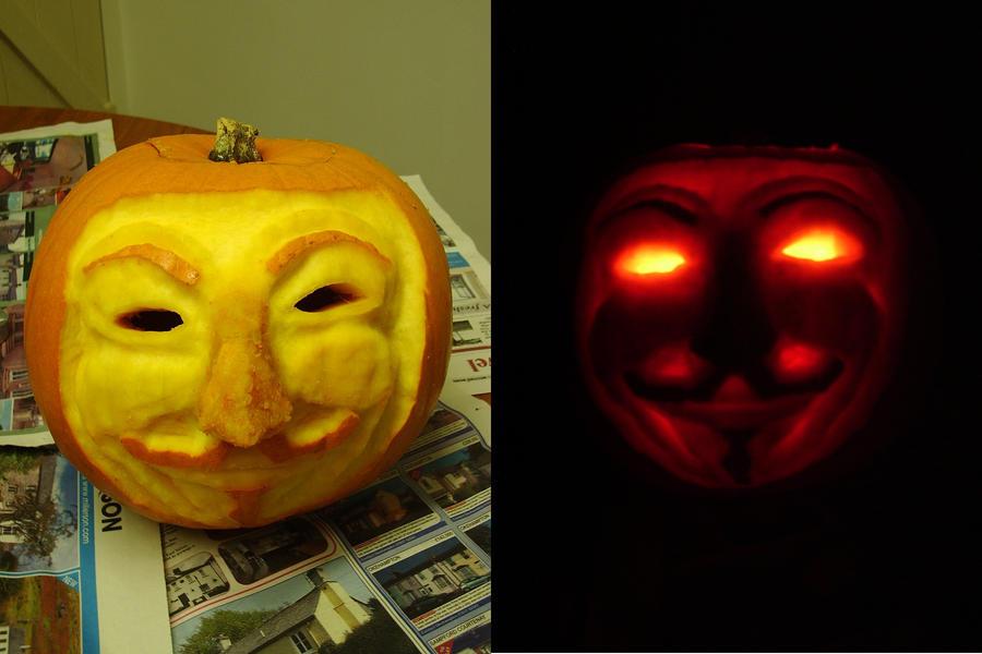 V for Vendetta Pumpkin by itareldie