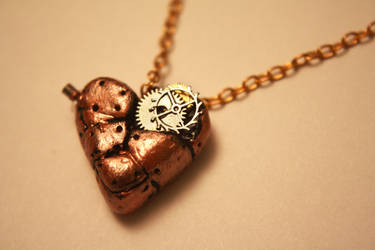 Steampunk heart necklace by Itti
