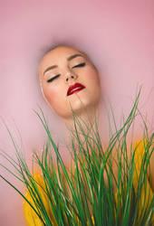 Mary-Ann-pink-milk-bath-photolga-2