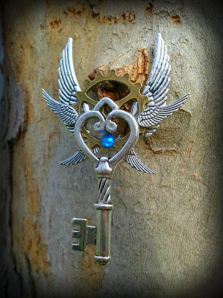 Heavenly Gears Fantasy Key 2 by ArtByStarlaMoore