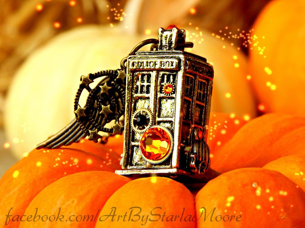 PUMPKIN TARDIS - CURRENT AUCTION! by ArtByStarlaMoore