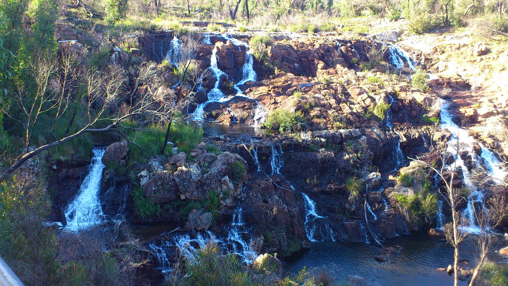 Waterfall by LeDarkness1