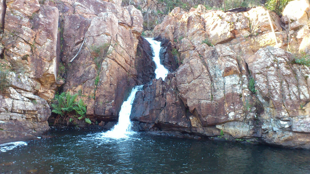 Waterfall 2 by LeDarkness1