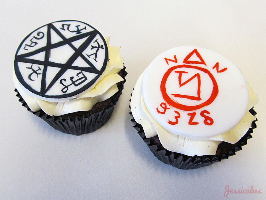 Supernatural Cupcakes by thesearejessicakes