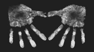CrossFit Love - Heart Chalk Hands