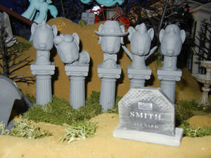 MLP: The Haunted Mansion - Singing Busts