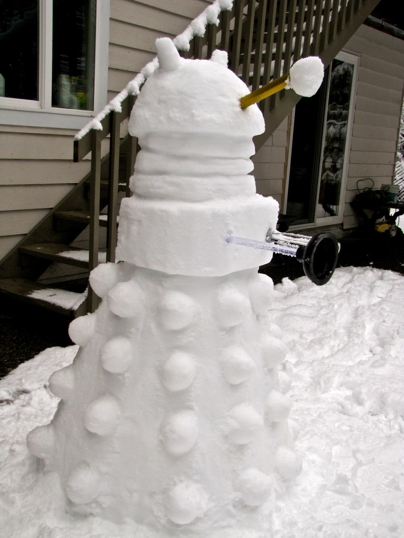 Snow Dalek by E-The-Zombie