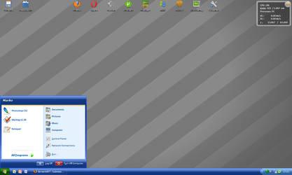 1 december 2007 desktop by RoyaleFlush
