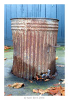 Rusty Bin by karenbirch