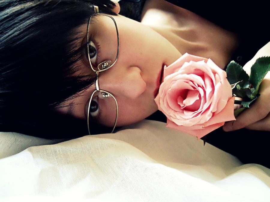 http://fc08.deviantart.net/fs71/i/2012/071/e/0/kyoya_ootori_cosplay_by_rhymelawliet-d4sk7wn.jpg