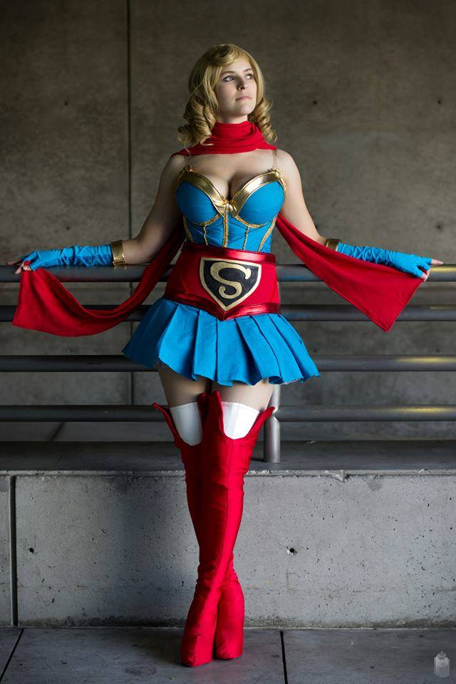 Supergirl- Awaiting battle by JFamily