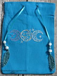 Triple Moon Bag by sioranth