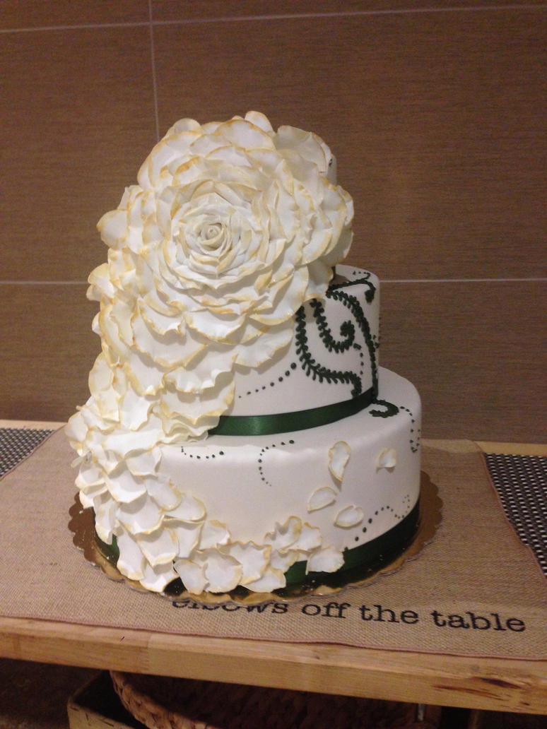 Three Tier Wedding Cake by EEPoageCakes