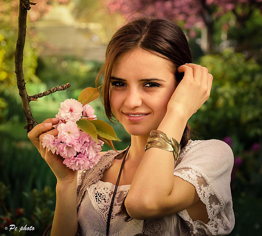 flower girl by baineann