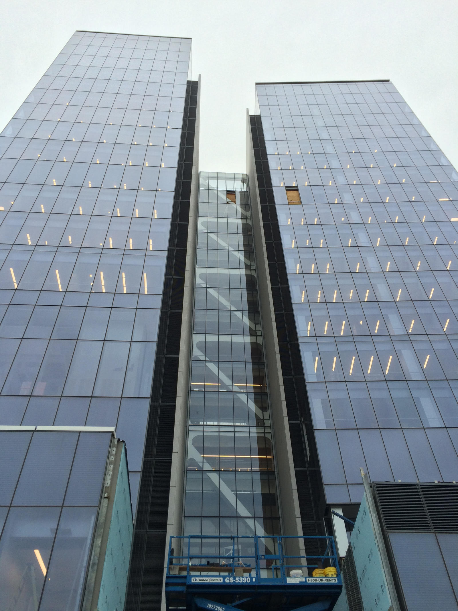 Looking Up-Prudential Tower Newark by towerpower123
