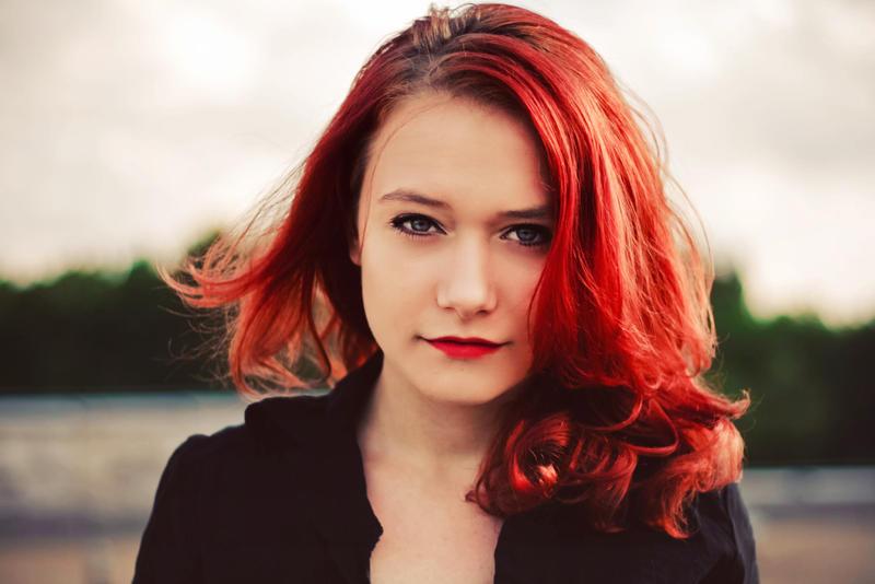 Ateş Kırmızısı Saçlar