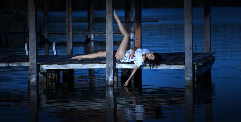 Night pier by fb101