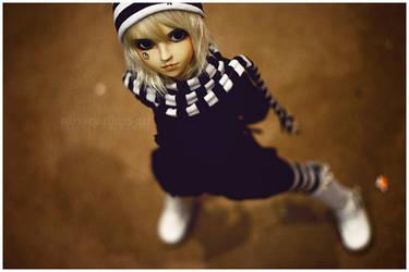 Black, white, riceball. by hiritai