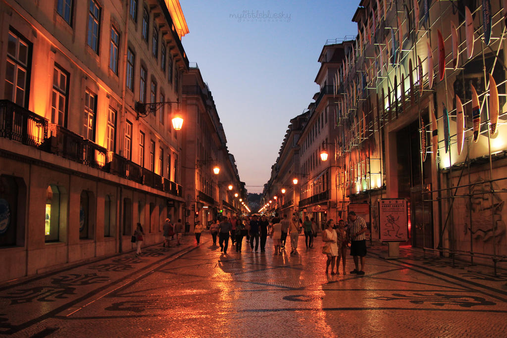 Rua Augusta. by mylittlebluesky