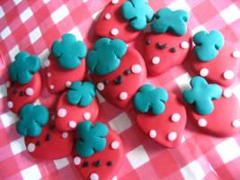 Strawberries :D by Hikoro