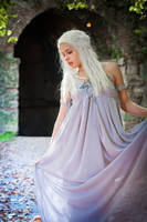 Daenerys Targaryen - Game of Thrones by oShadowButterflyo